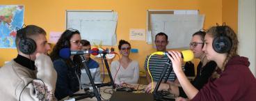 Être animateur radio : une expérience vécue en stage BAFA